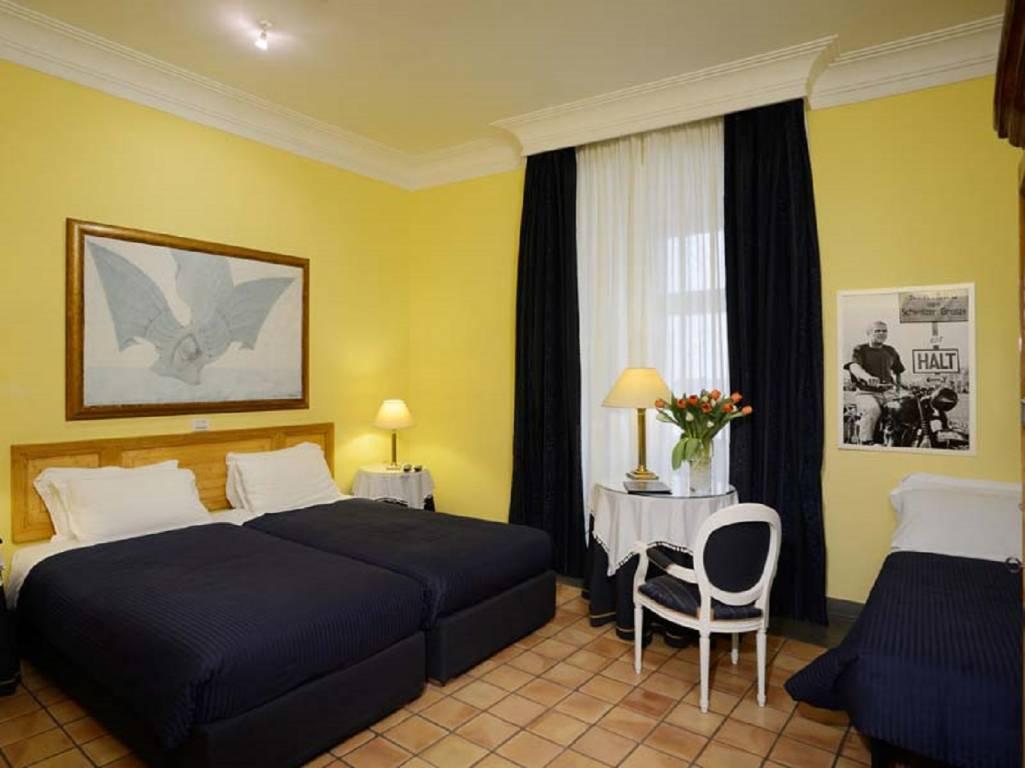 Doppel Zimmer- Hotel Cairoli