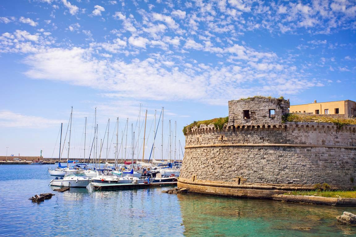 Apulien - Blick auf Burg Aragonese in Gallipoli