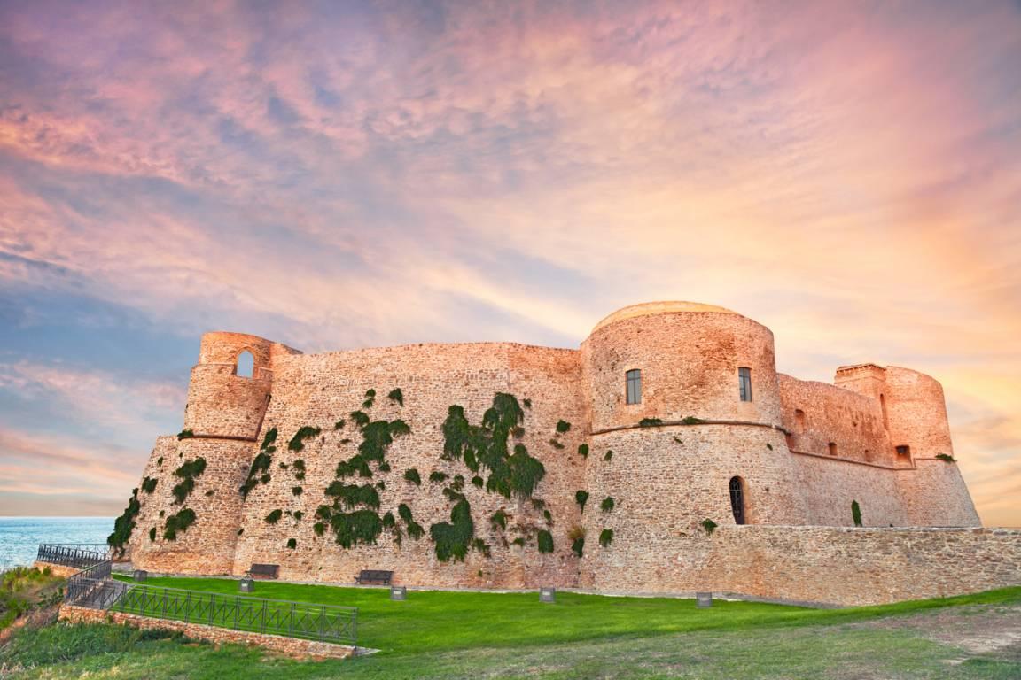 Castello Aragonese Region Abruzzen nähe Stadt Aquila