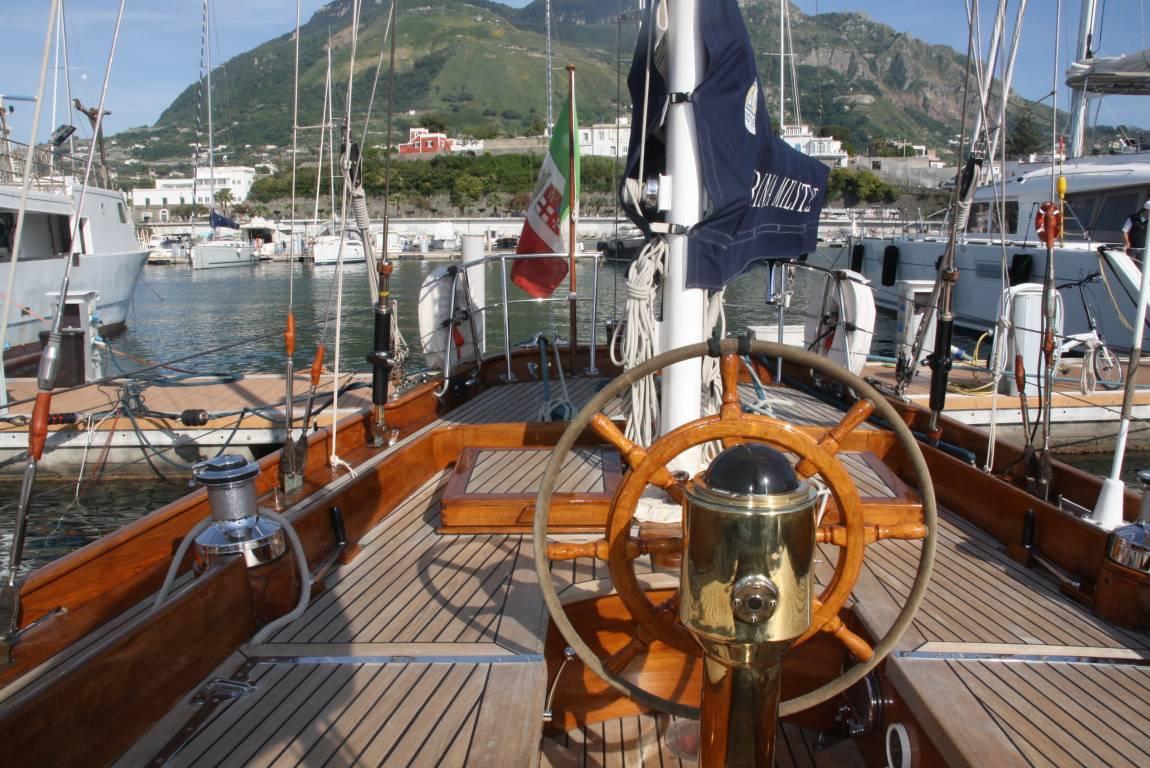 Autovermietung und Bootsverleih Ischia